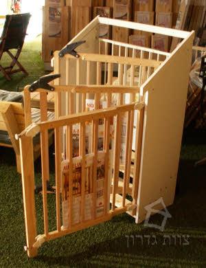 רק החוצה מוצרי בטיחות ומיגון הבית לתינו ולילד, שערי בטיחות, מגני מיטה- צוות WT-18