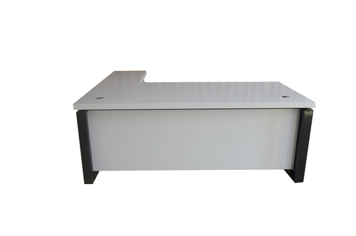 מבריק נקסוס שולחן מנהל כולל שלוחה צבע לבן ידיות ורגל צבע שחור 160 סמ VH-33