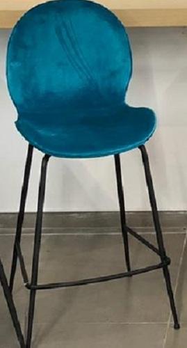 האחרון פיראוס כסא בר מעוצב רגל מתכת שחורה מושב מרופד בד טורקיז גובה 65 ס DK-57