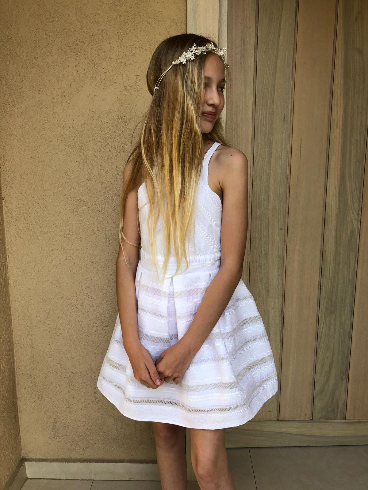 שמלה לבנה חגיגית לילדות