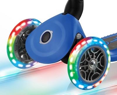 קורקינט מתקפל לילדים עם אורות בגלגלים Primo Lights 2020, ידית בגובה משתנה וציפוי מונע החלקה - אדום