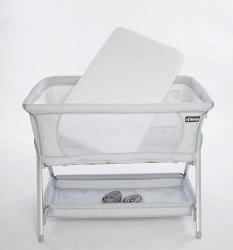 עריסה מתחברת למיטת הורים עם מצבי גובה, כילה ותאורת לילה - אפור Minigo